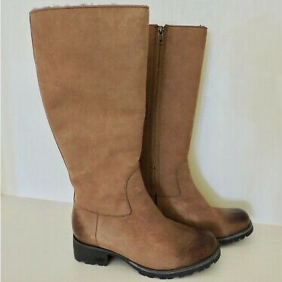 Ugg tall Leather tan boots